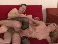 Schwul-Porno xnx Junge schwarze Muschi offen